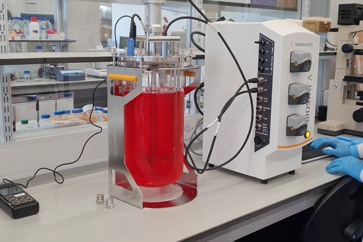 Image of a 5L bioreactor on a lab bench